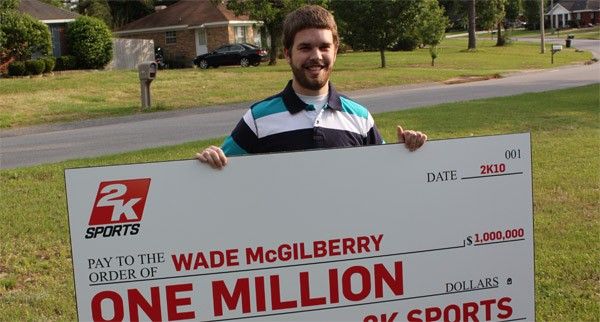 Wade Mcgilberry avec son chèque d'un million