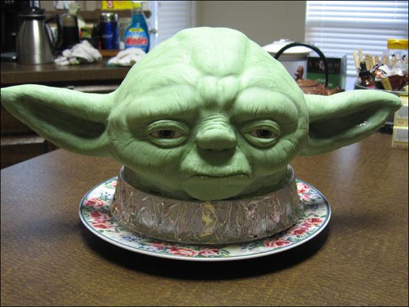 Un gâteau Yoda ultra réaliste - pour alien-nivore