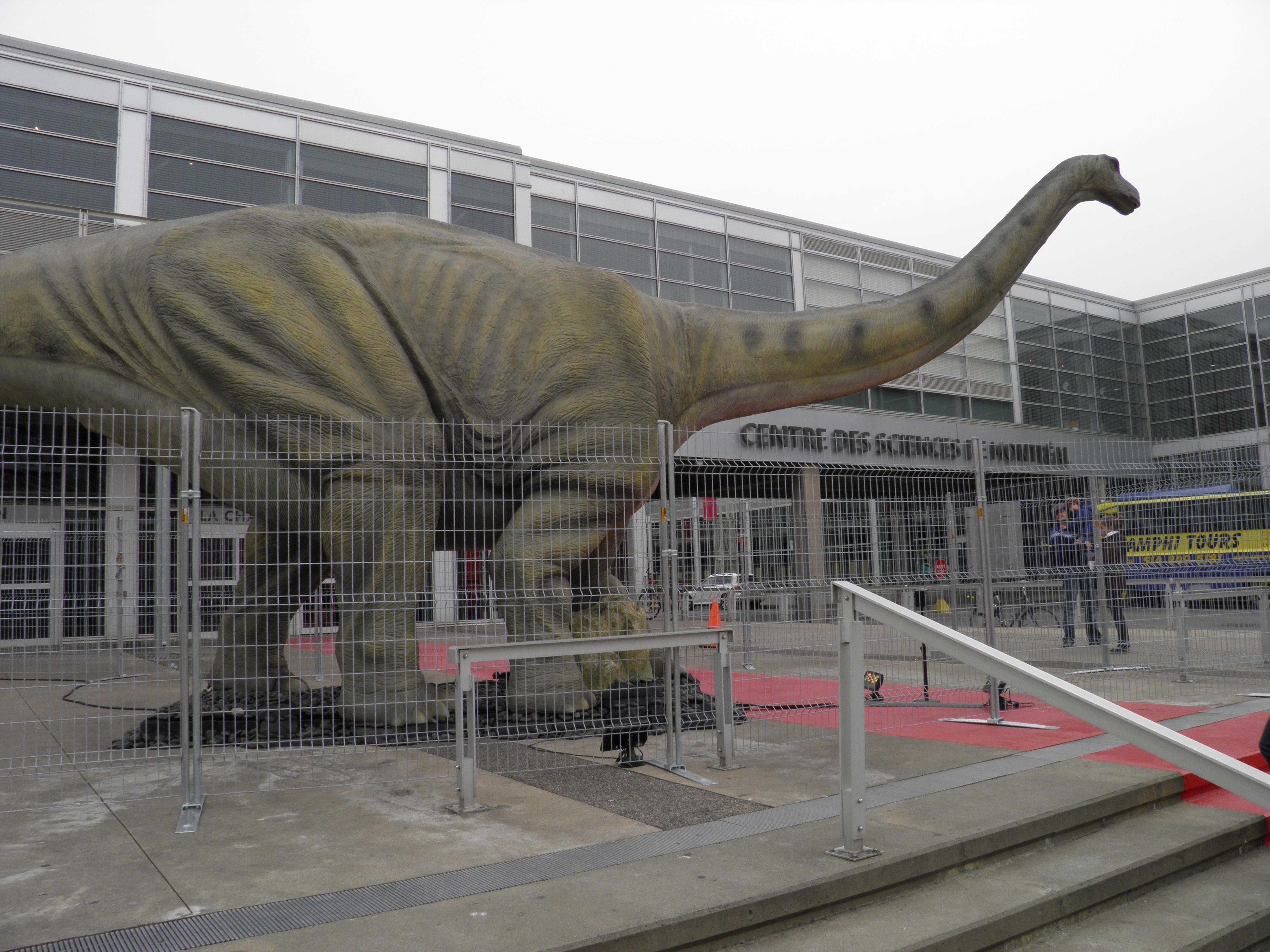 Les dinosaures s'invitent au Centre des Sciences de Montréal