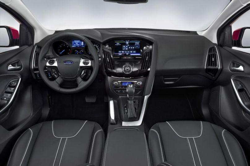Ford focus titanium 2013 interior for Ford focus interior accessories
