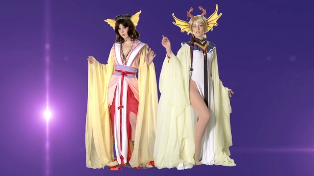 Monica et Victoria cosplay