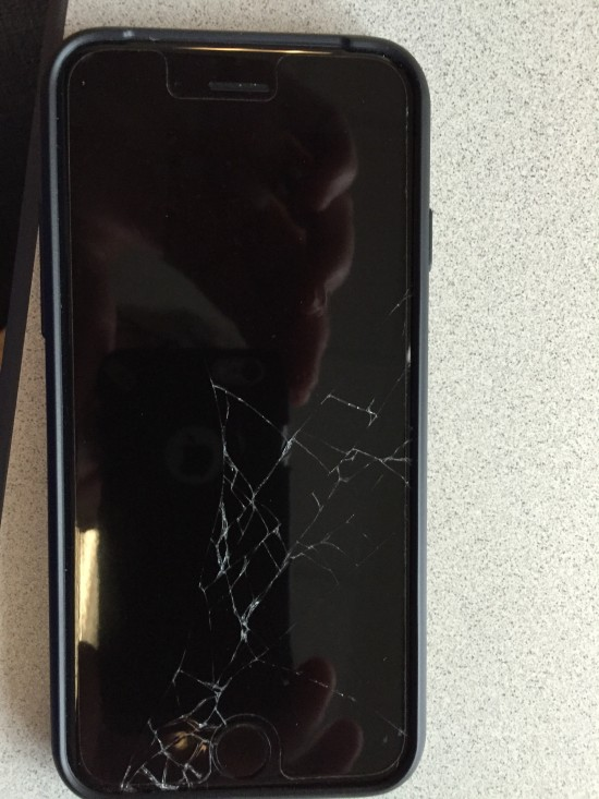 iPhone 6 avec l'écran brisé