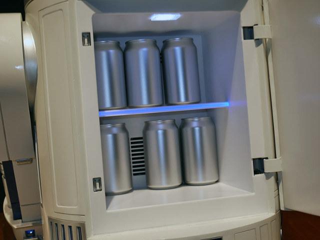 L'intérieur de R2-D2 - Version frigo