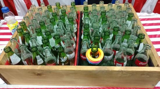 lancer des anneaux dans des goulots de bouteilles