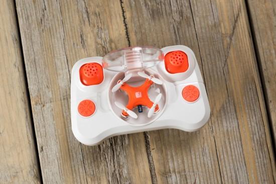 le plus petit drone du monde