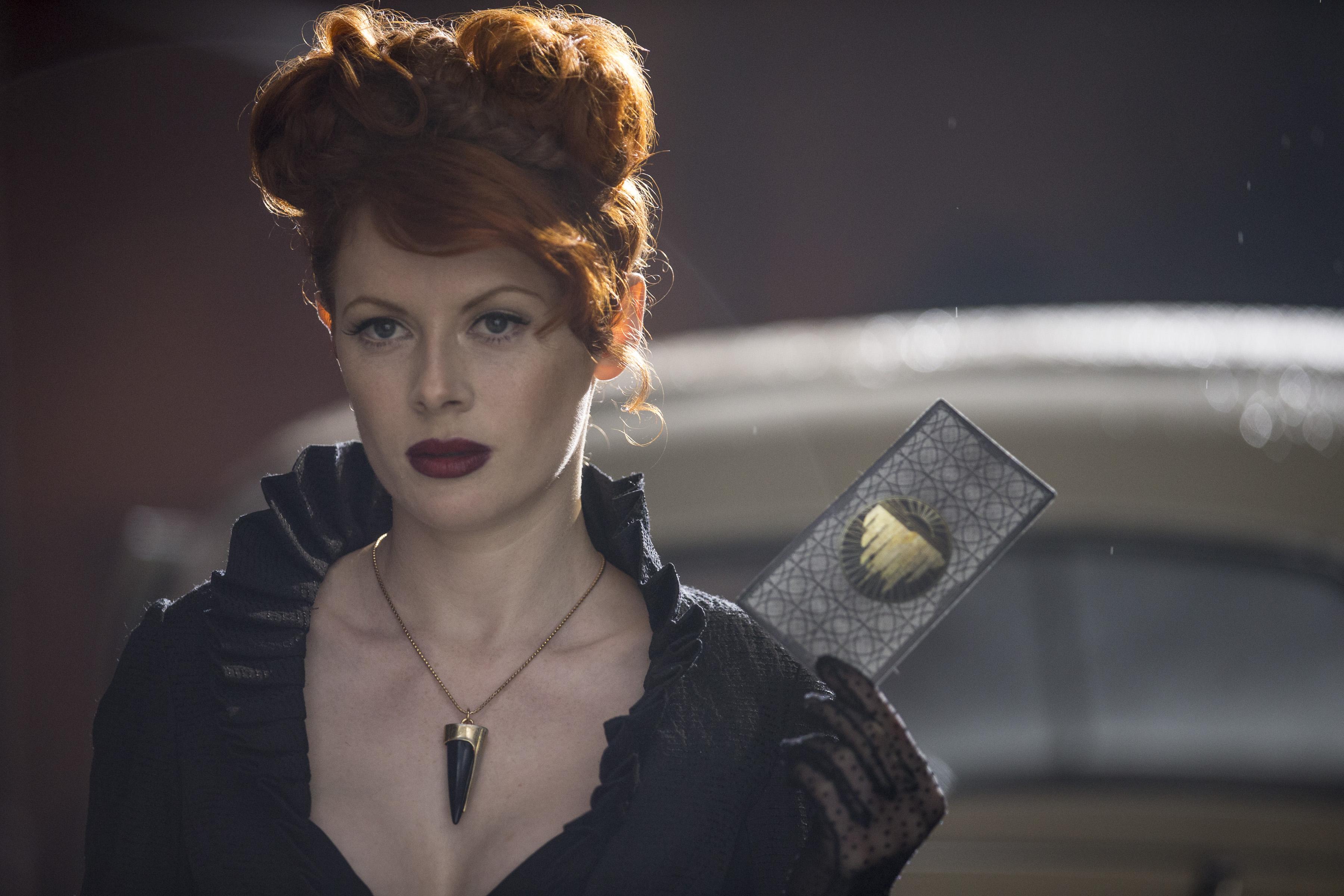Emily Beecham / The Widow - Into the Badlands Saison 1 Épisode 1 - Crédit photo : James Dimmock/AMC