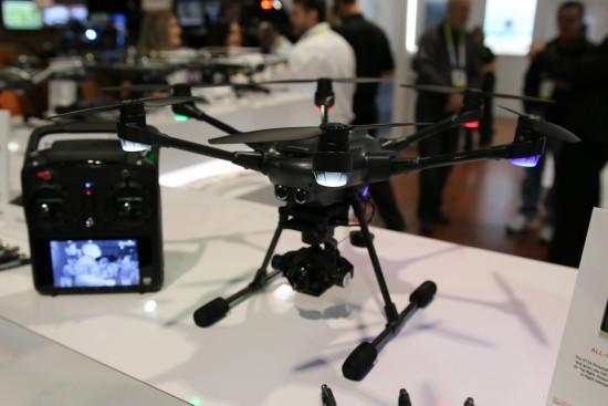 Drone Yuneec Typhoon H avec technologie anti-collision | CES 2016