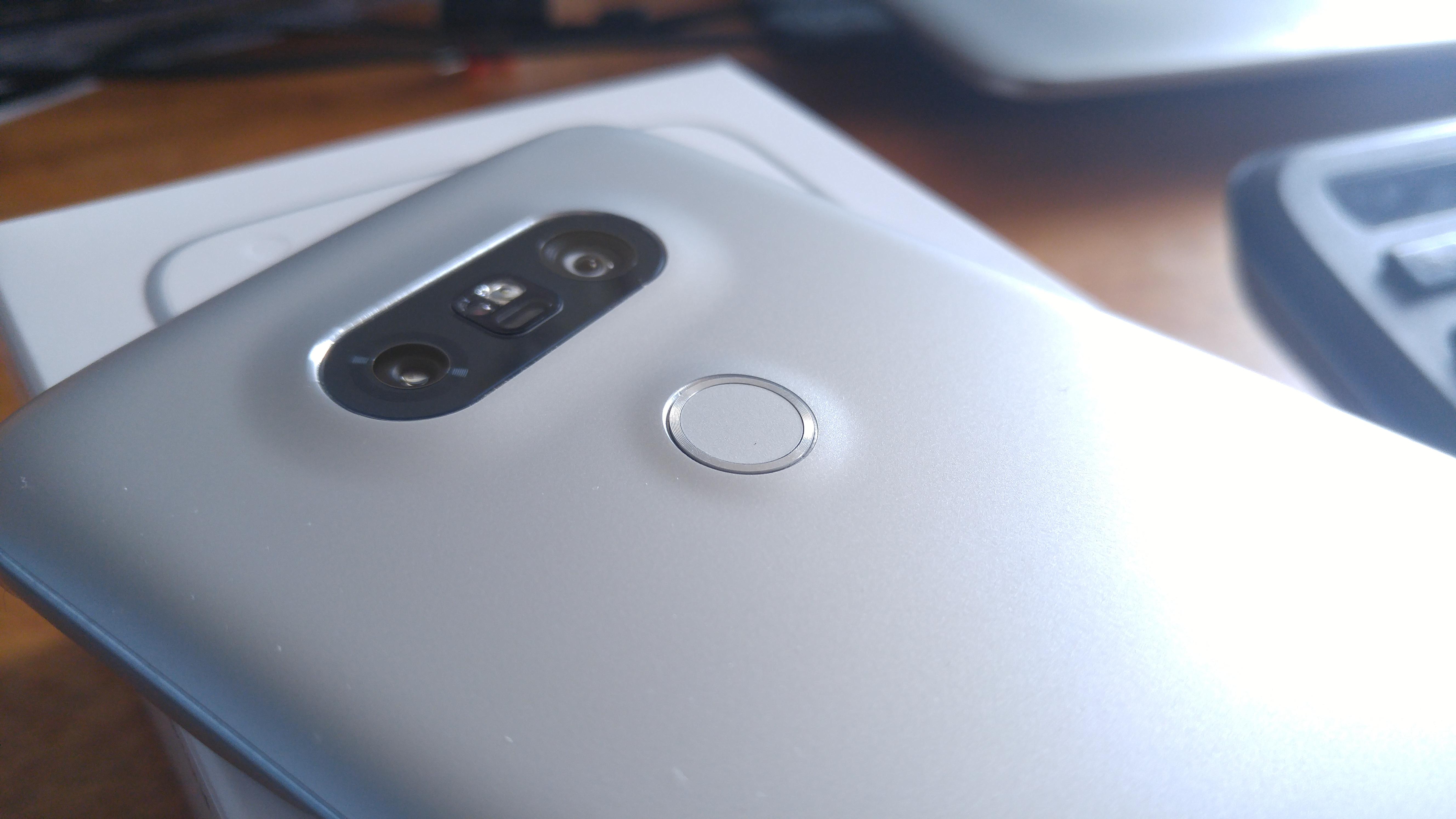 Le LG G5 et sa façade arrière.