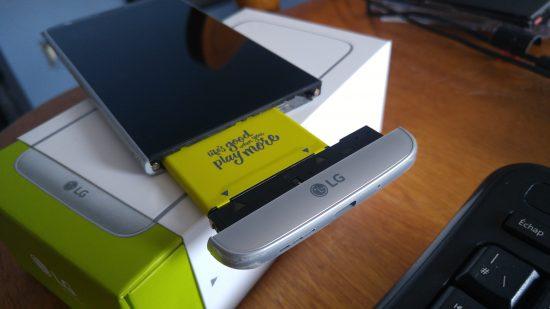 Le LG G5 et sa pile modulaire.