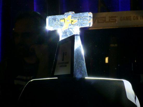 Trophée 1ere place League of Legends | Lan ETS 2016