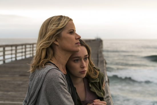 Kim Dickens as Madison Clark, Alycia Debnam-Carey as Alicia Clark - Fear the Walking Dead Saison 2 Épisode 13 - Photo Credit: Richard Foreman Jr/AMC