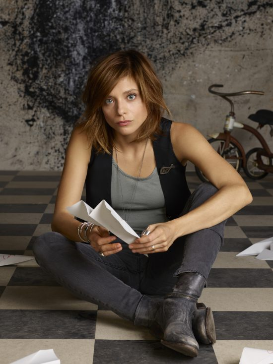FALLING WATER - Tess (Lizzie Brochere) - Crédit: Bruno Dayan/USA Network
