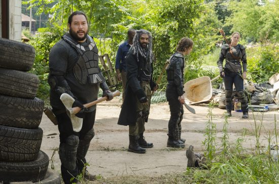Ezekiel (Khary Payton), Morgan Jones (Lennie James), Jerry (Cooper Andrews), Benjamin (Logan Miller), Dianne (Kerry Cahill) - The Walking Dead Saison 7 Épisode 2 - Photo : Gene Page/AMC