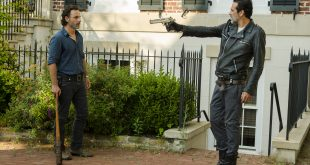 Negan (Jeffrey Dean Morgan), Rick Grimes (Andrew Lincoln) - The Walking Dead Saison 7 Épisode 4 - Photo: Gene Page/AMC