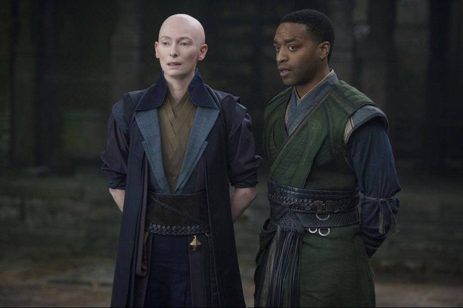 Tilda Swinton et Chiwetel Ejiofor. Source IMDB
