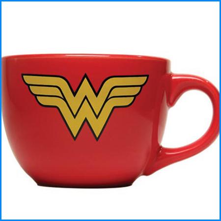 Échanges de cadeaux geek à moins de 20$ - Tasse Wonder Woman