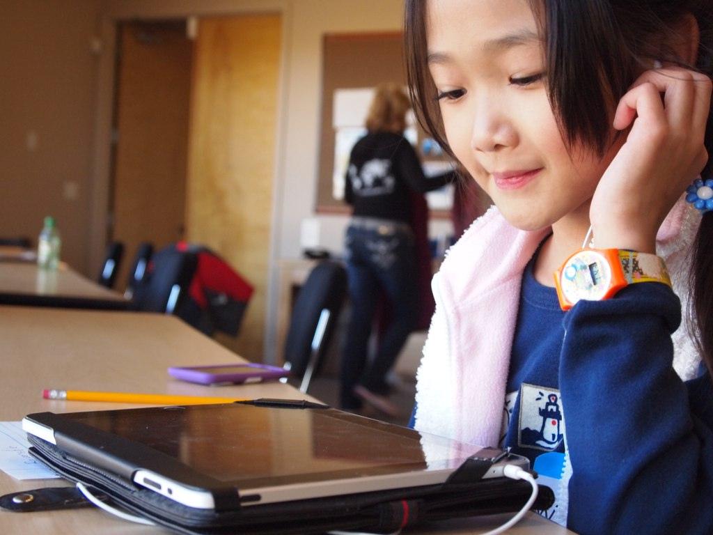 Outre des facteurs de motivation, d'intérêt et d'auto-évaluation, rien n'indique des différences de genre dans les habiletés numériques. Les milieux socio-économique, démographique ou professionnel les prédisent bien davantage. Image: Brad Flickinger / Flickr.