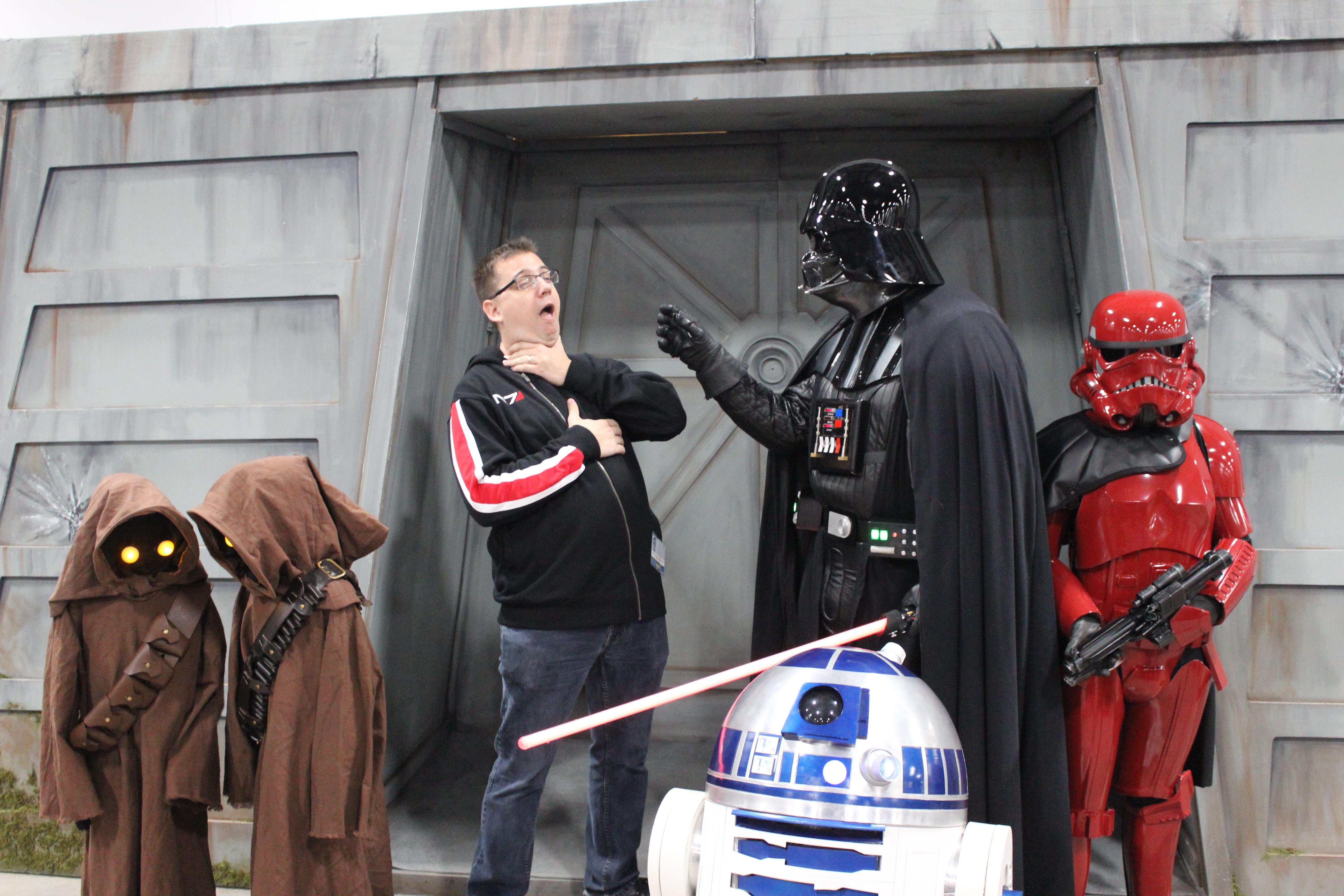 Les membres de la légion 501 ont été très généreux lorsque les admirateurs souhaitaient une photo avec eux lors du ComicCon d'Ottawa 2017