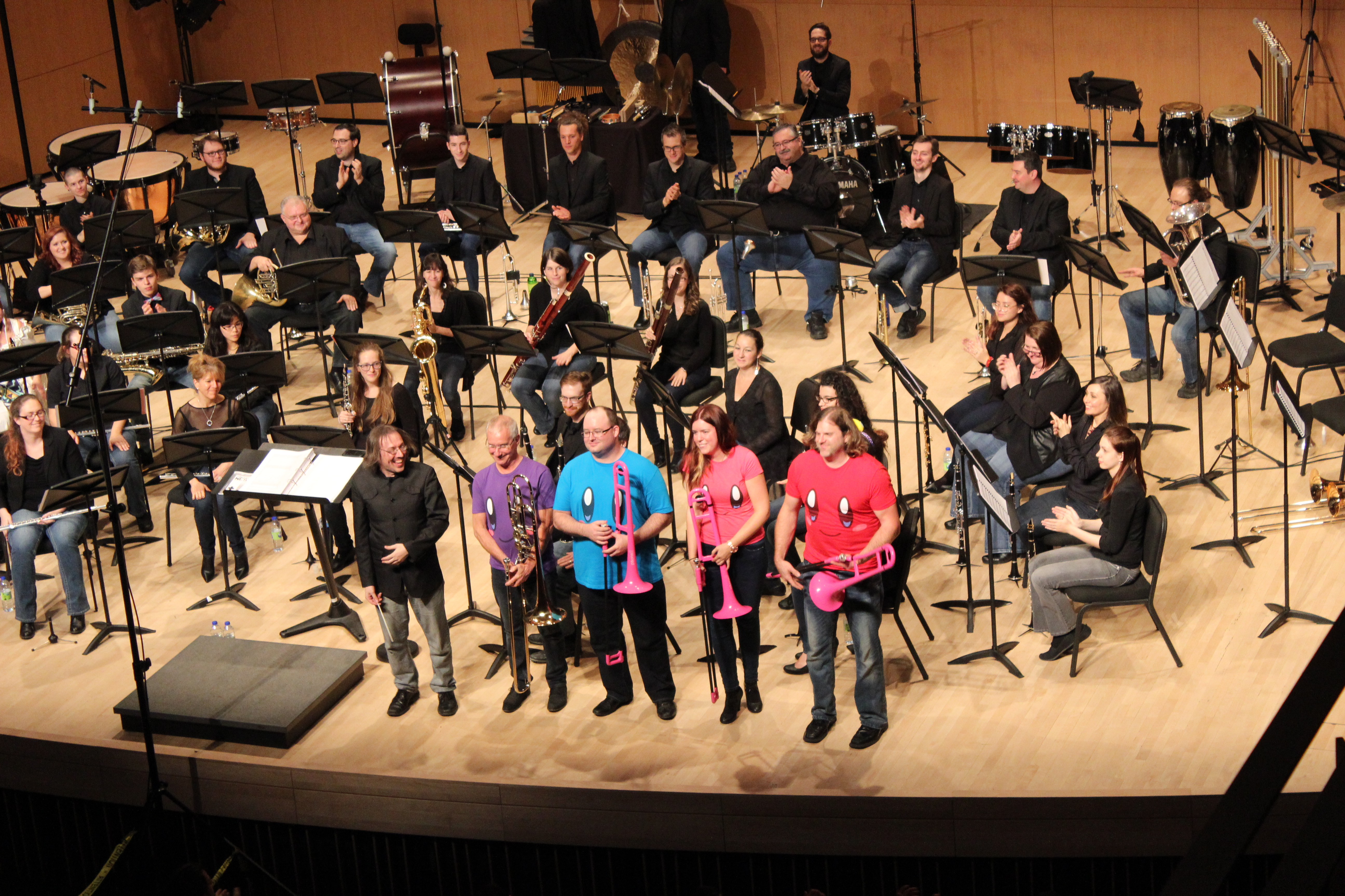 Un moment très cocasse de la soirée fut lorsque les trombonistes ont utilisé des instruments en plastique rose pour jouer les thèmes de Kirby