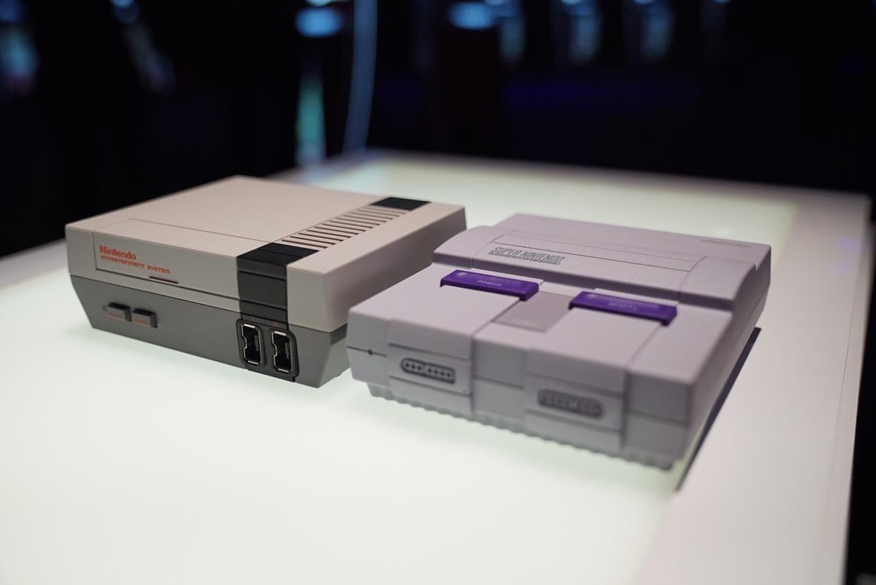La SNES Classic est une version miniaturisée de la console originale, comme l'était la NES Classic