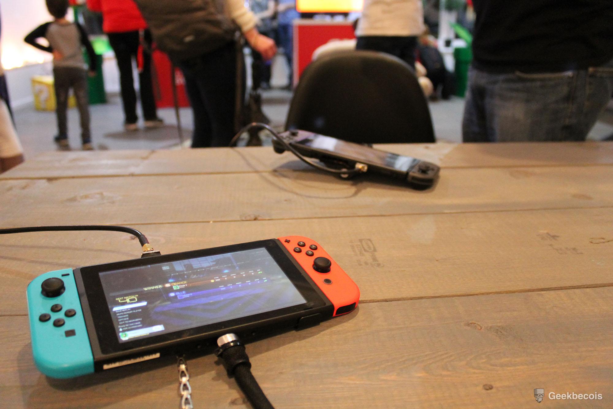 Les deux consoles Nintendo Switch sur lesquelles on pouvait s'affronter à Rocket League.