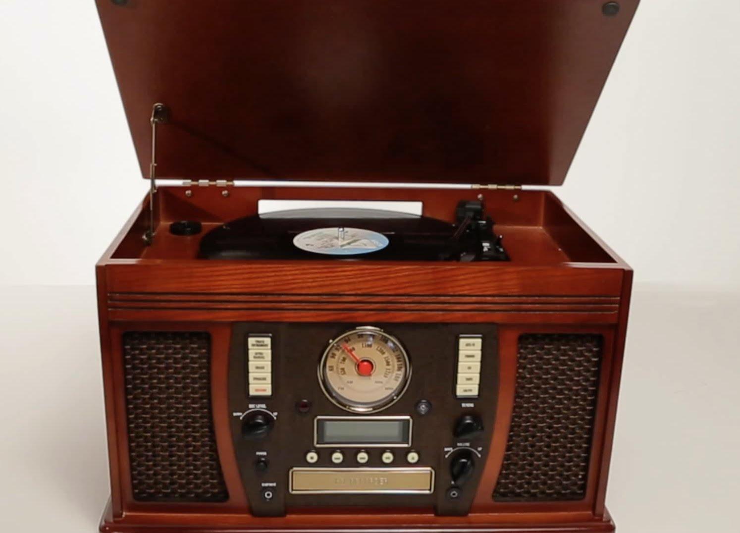La table tournante de l'Aviator vous permet de ressortir vos vinyles de votre sous-sol!