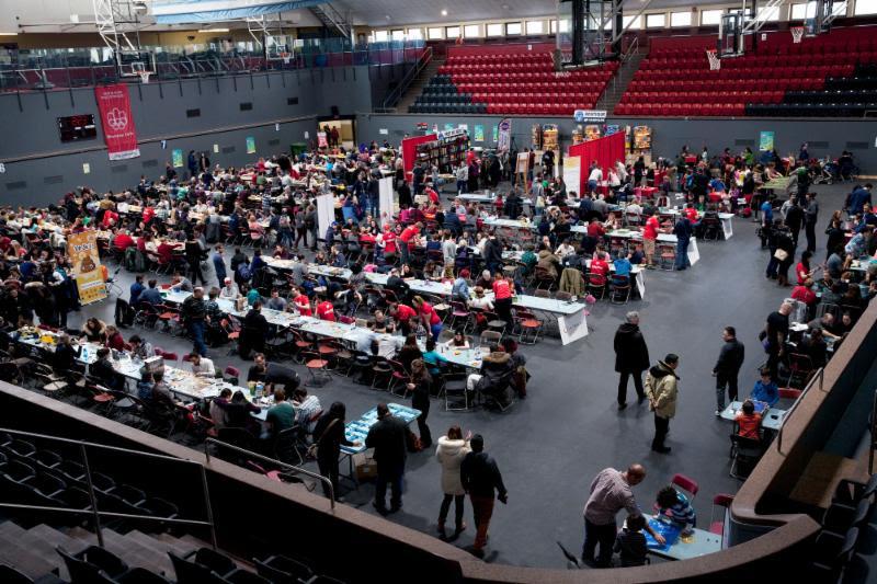 Joignez-vous à des centaines d'autres joueurs pour une joute amicale ou un tournoi sans merci! Crédit : Andréanne Lupien | Festival Montréal joue 2018