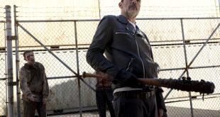 Negan (Jeffrey Dean Morgan) est prêt à tout pour semer la terreur au Hilltop - The Walking Dead - Saison 8, Épisode 11 - Crédit photo: Gene Page/AMC