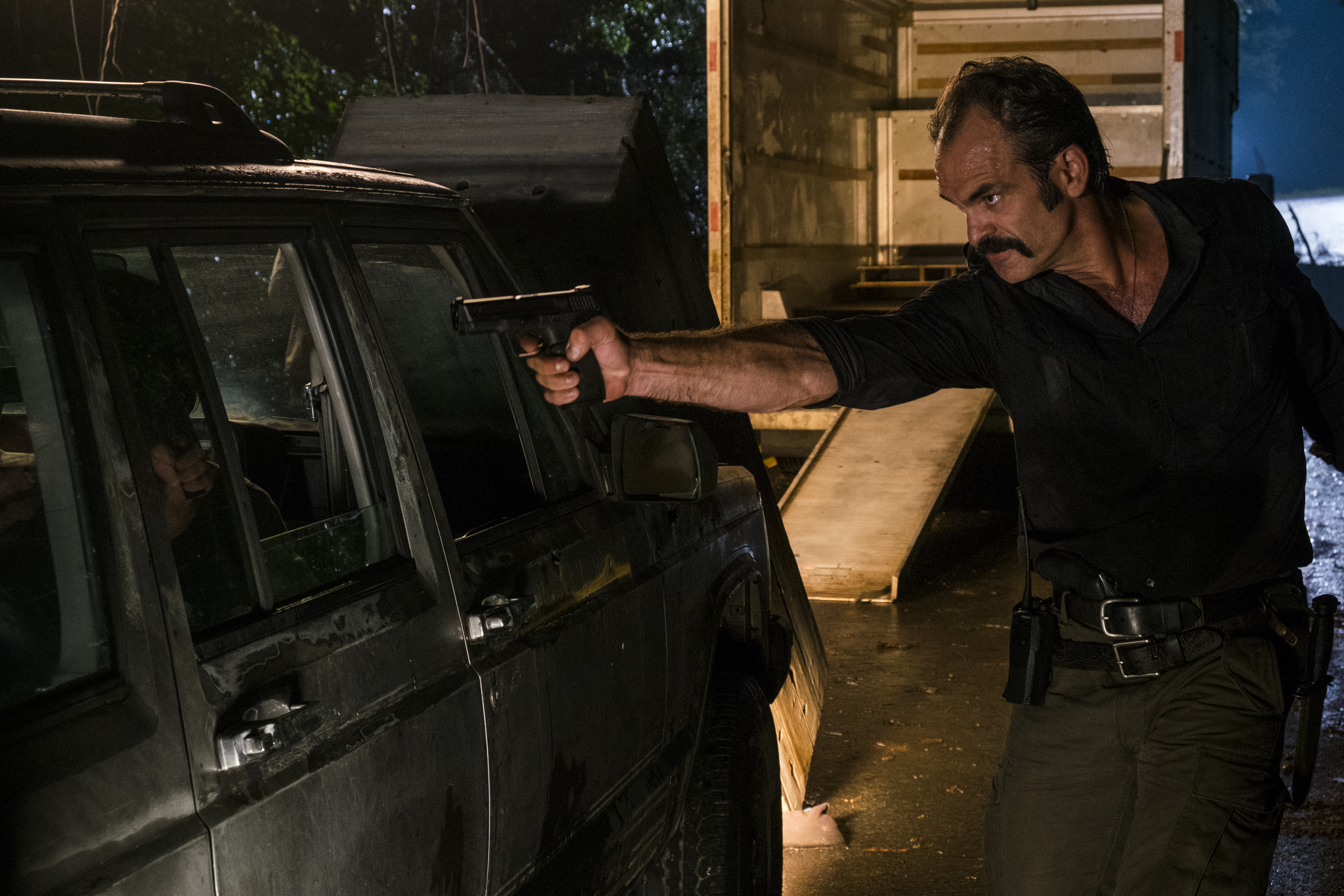 Simon (Steven Ogg) cherche à exterminer les colonies - The Walking Dead Saison 8 Épisode 8 - Crédit photo: Gene Page/AMC