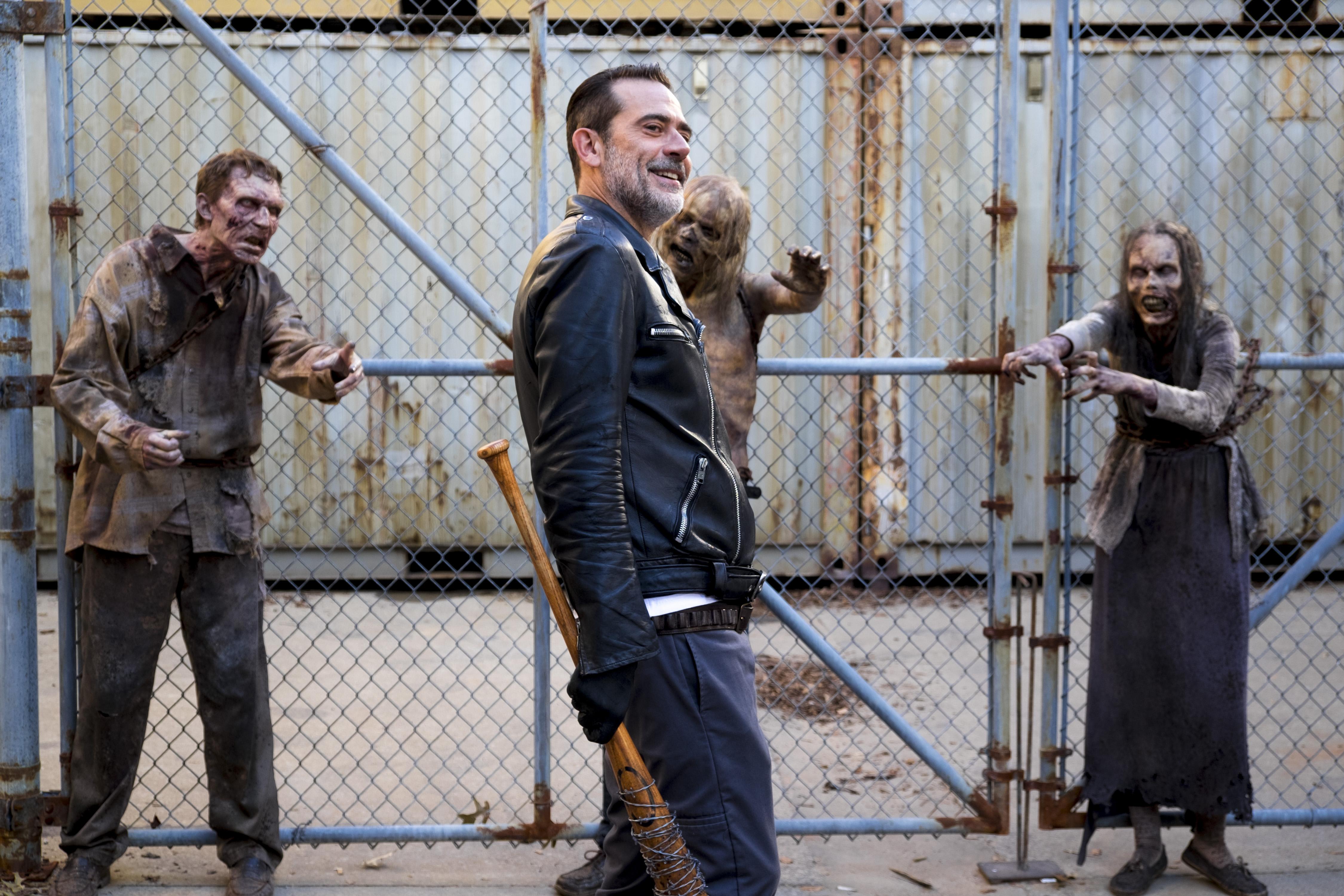 Negan (Jeffrey Dean Morgan) est prêt à toutes les bassesses dans sa guerre contre Rick - The Walking Dead - Saison 8, Épisode 11 - Crédit Photo: Gene Page/AMC
