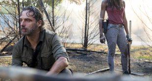 Rick Grimes (Andrew Lincoln) peine à faire son deuil sous la protection de Michonne (Danai Gurira) - The Walking Dead Saison 8, Épisode 10 - Crédit Photo: Gene Page/AMC