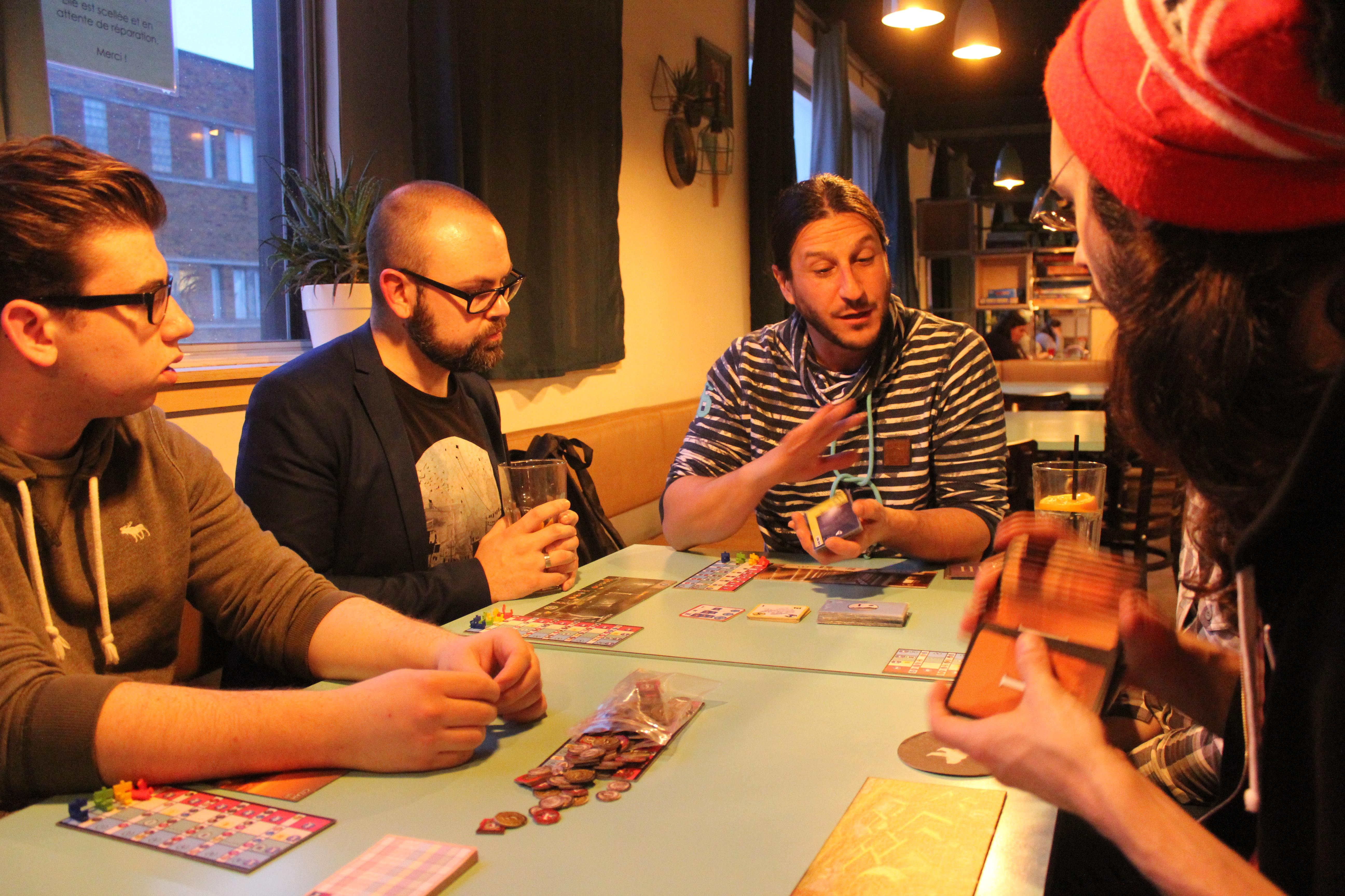 Nous avons eu la chance de tester l'extension cet automne en compagnie du créateur du jeu, Antoine Bauza