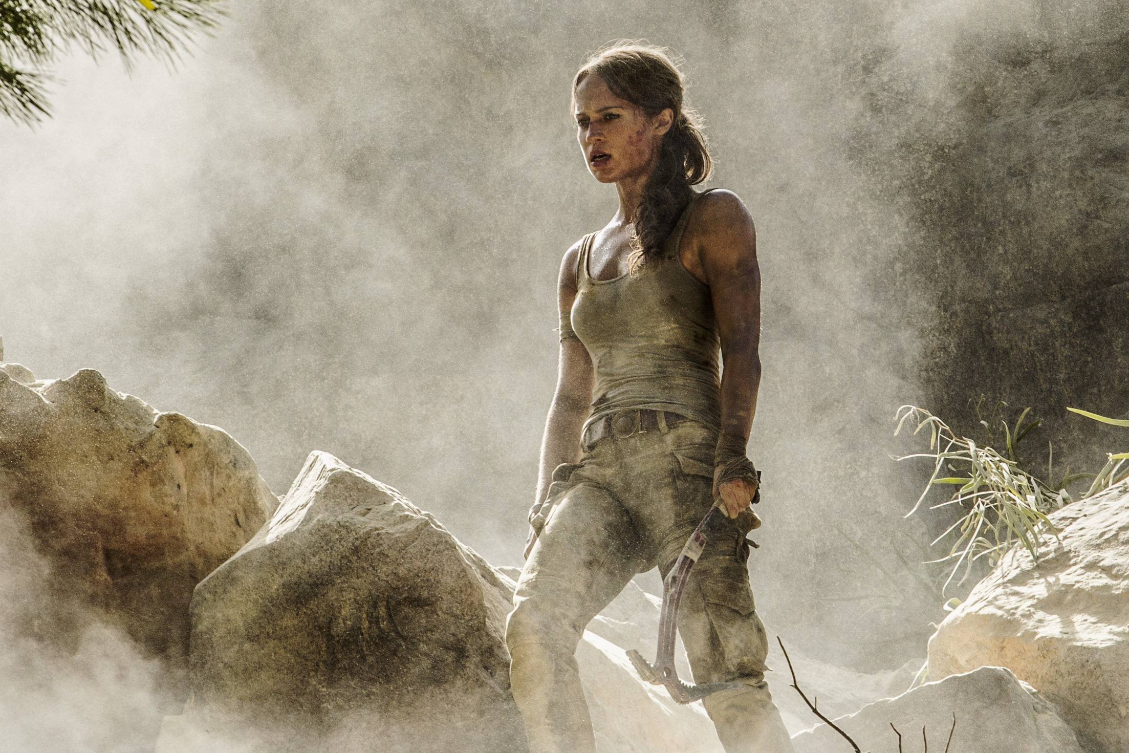 "Alicia Vikander (Lara Croft) - ""TOMB RAIDER"". © 2018 WARNER BROS. ENTERTAINMENT INC. AND METRO-GOLDWYN-MAYER PICTURES INC."