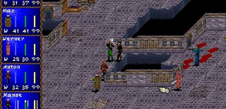 En mode combat, le joueur peut mettre le jeu en pause en tout temps pour donner de nouvelles directives à ses personnages
