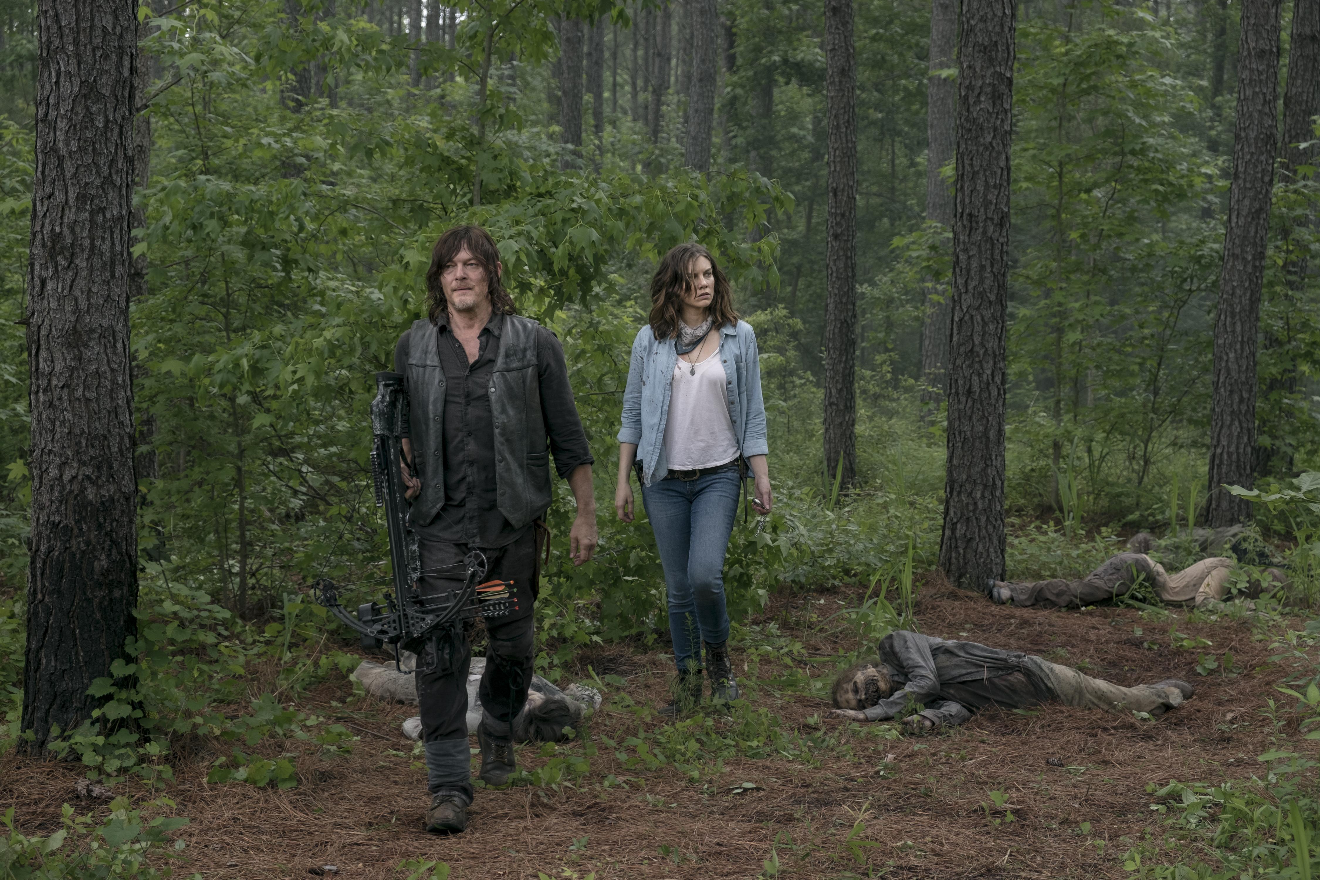 Maggie Rhee (Lauren Cohan) et Daryl Dixon (Norman Reedus) font équipe pour trouver les coupables - The Walking Dead - Season 9, Épisode 3 - Crédit Photo: Gene Page/AMC