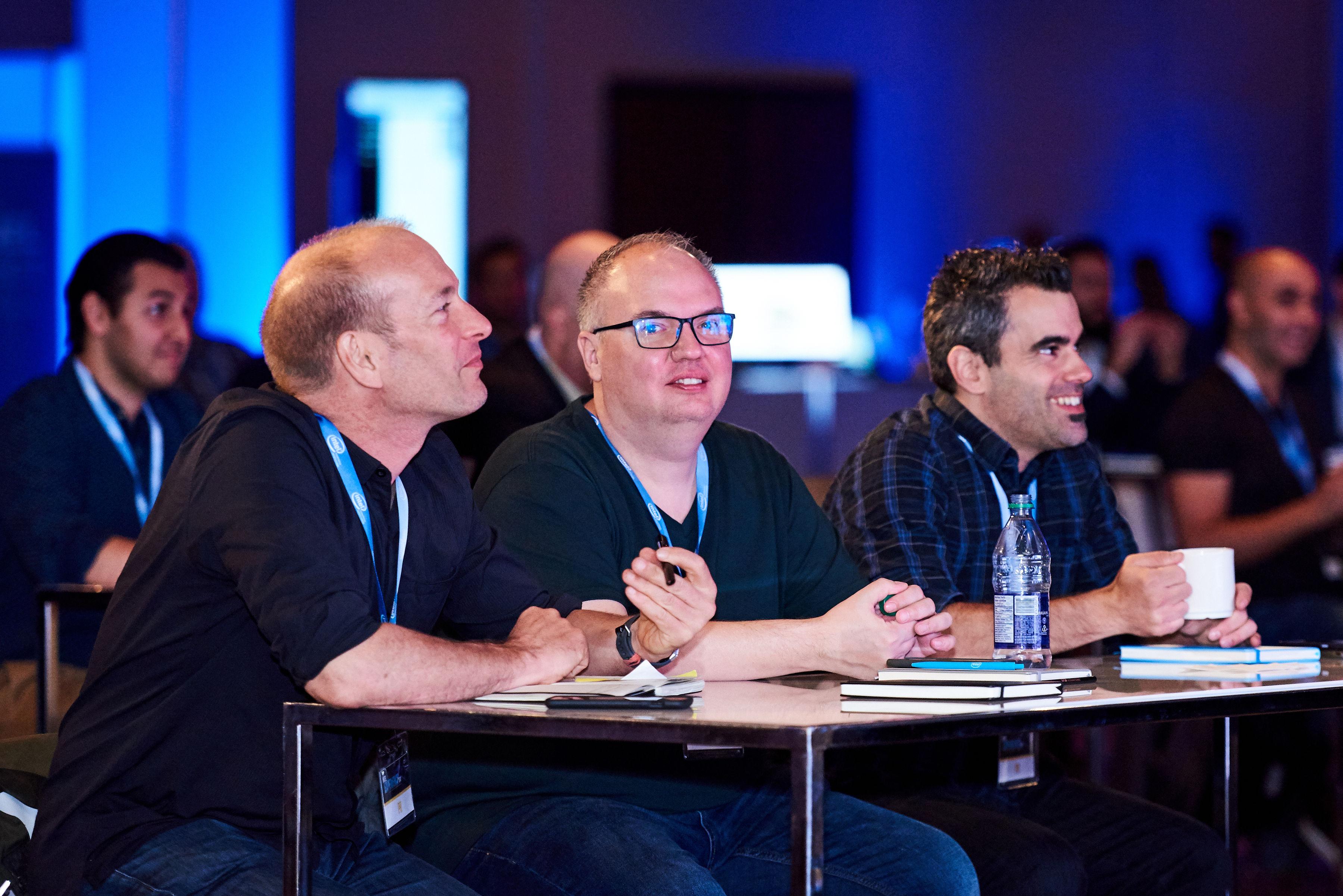 Pascal Forget, John Biehler et moi-même lors de la conférence de presse au Intel Experience Day. Photo : Courtoisie d'Intel Canada
