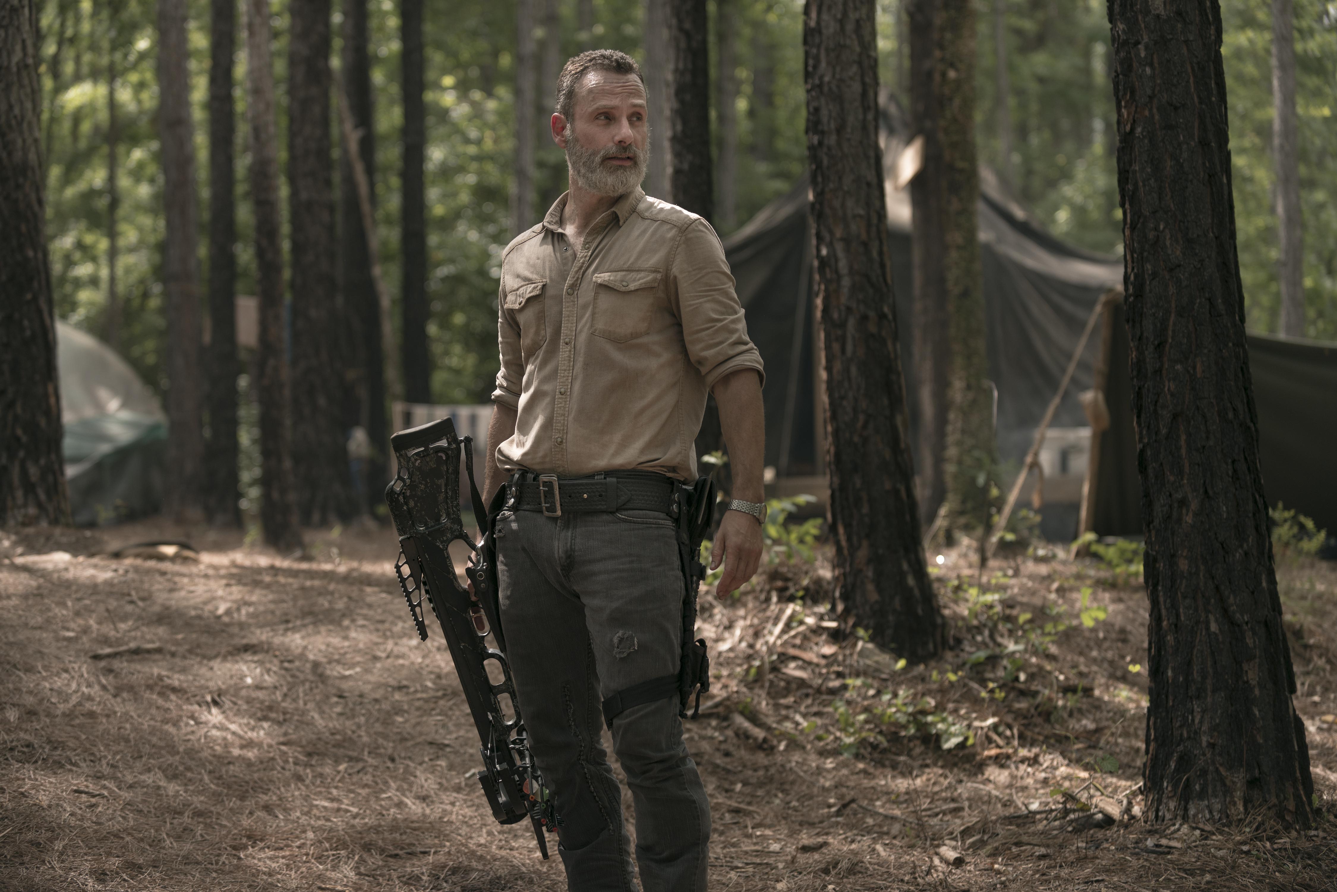 Rick Grimes (Andrew Lincoln) fait enquête sur les disparitions des Sauveurs - The Walking Dead - Saison 9, Épisode 3 - Crédit Photo: Gene Page/AMC