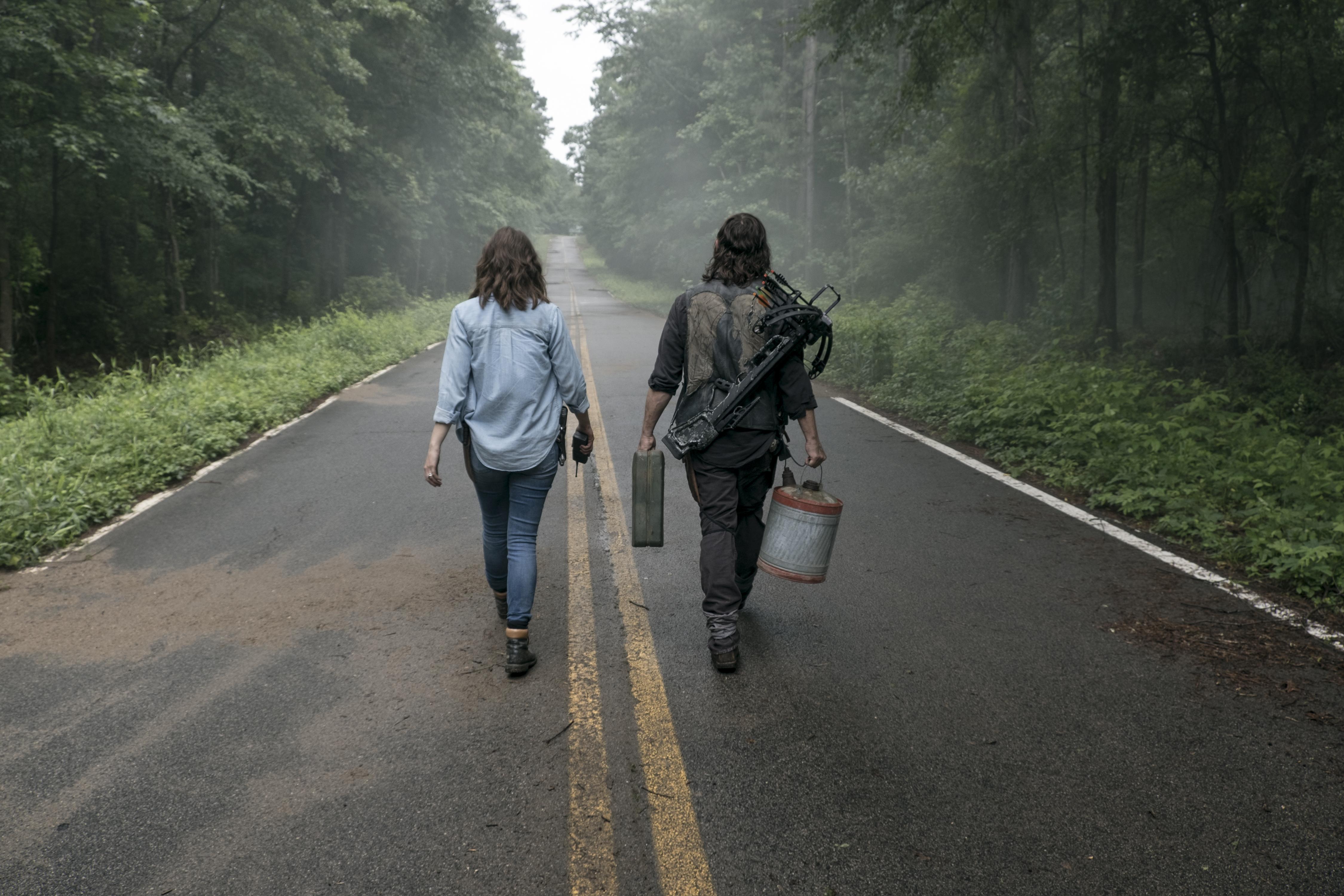 """Daryl Dixon (Norman Reedus) et Maggie Rhee (Lauren Cohan) sont en route pour aller """"voir"""" Negan... - The Walking Dead Saison 9 Épisode 3 - Crédit photo: Gene Page/AMC"""