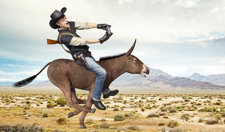 Dan White possède deux records dans Red Dead Redemption : le plus grand nombre de personnages ligotés en 3 minutes et la chevauchée d'âne la plus rapide