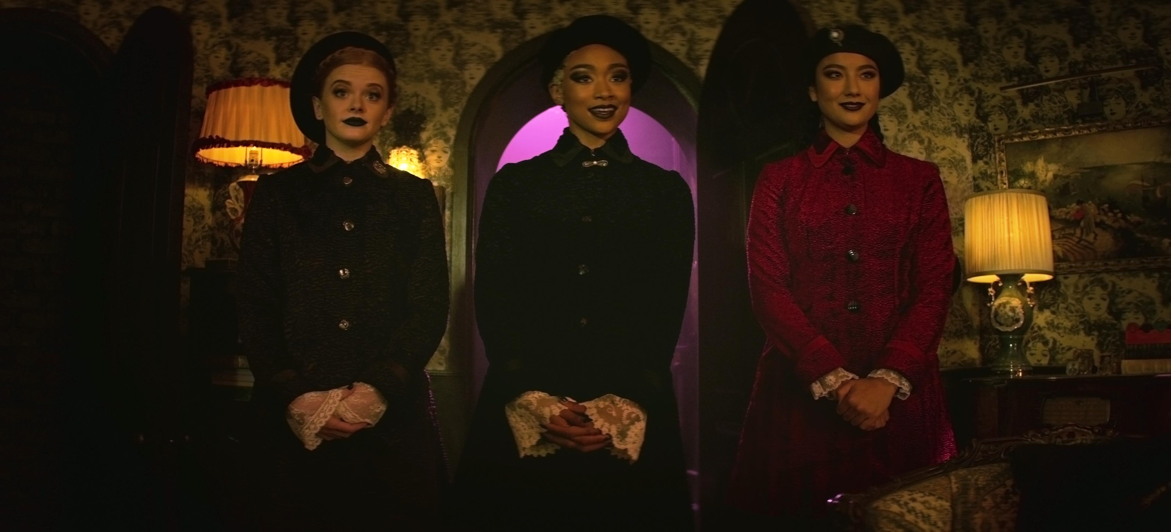 Les aventures effrayantes de Sabrina - Saison 1 Épisode 5 - Abigail Cowen, Tati Gabrielle et Adeline Rudolph. Photo : Courtoisie de Netflix.