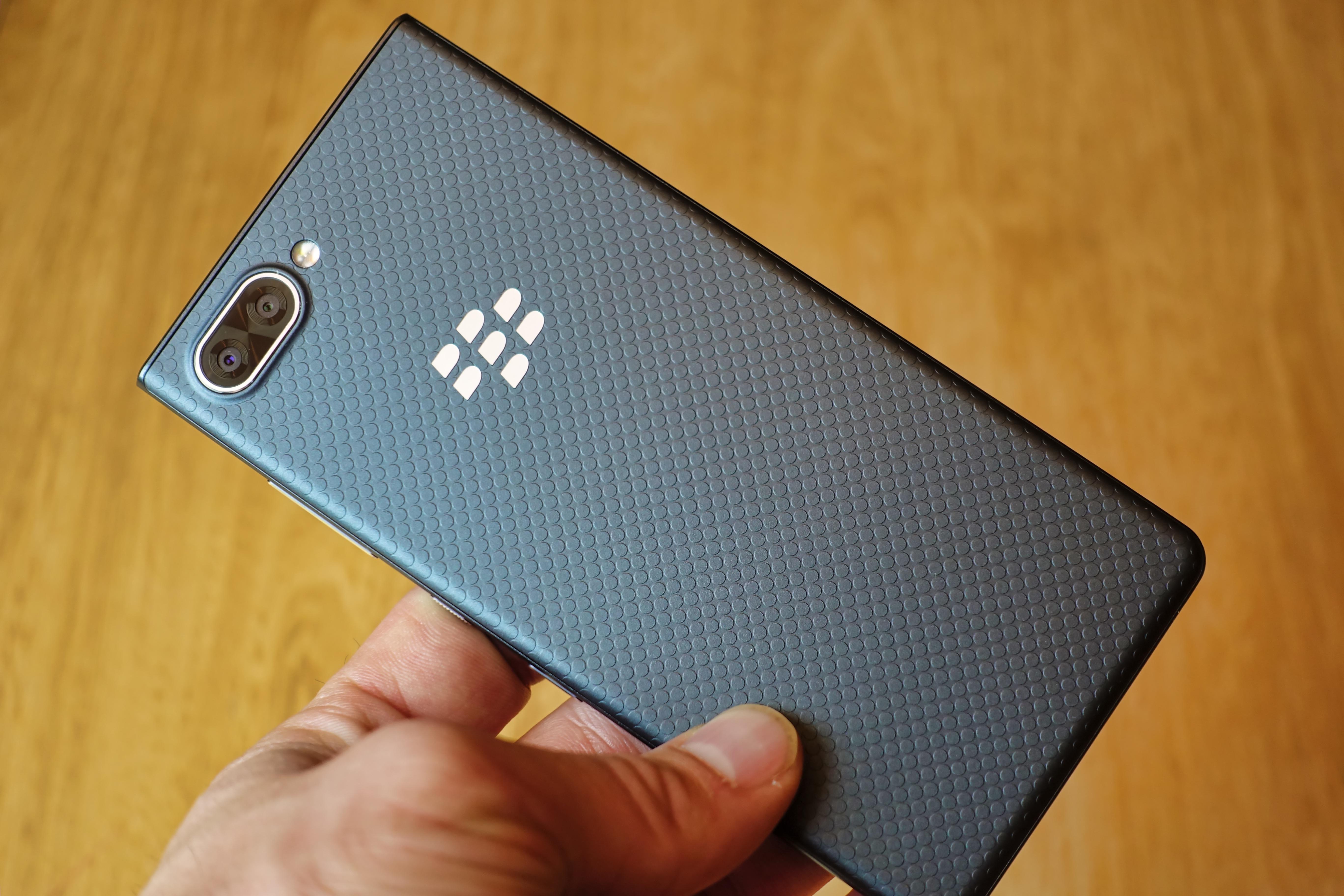 Dos texturé du BlackBerry KEY2 LE