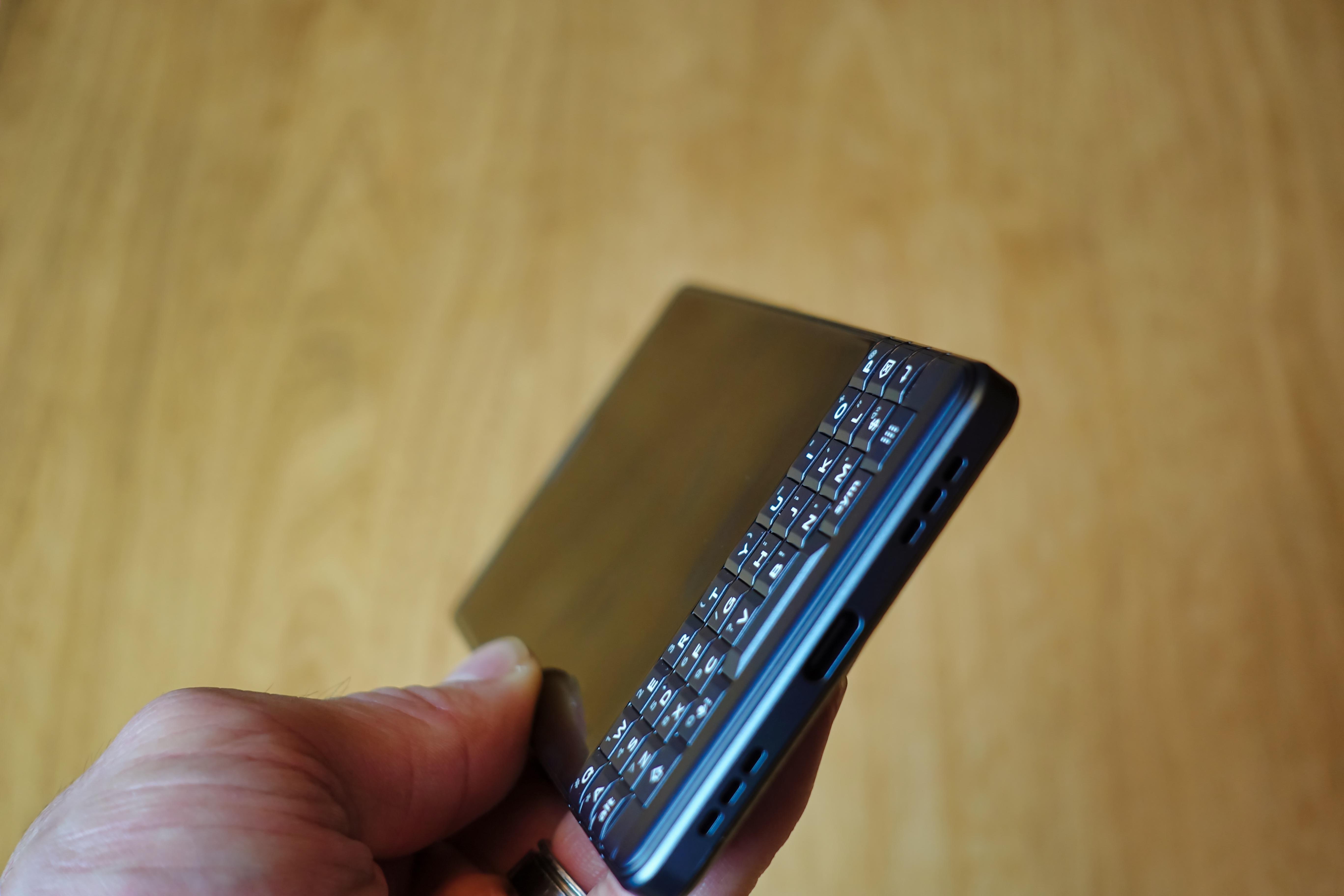 Le port USB-C du BlackBerry KEY2 LE