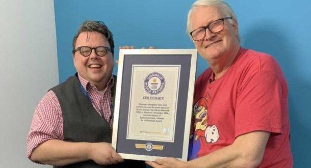 Charles Martinet, la voix de Mario, récipiendaire d'un record Guinness
