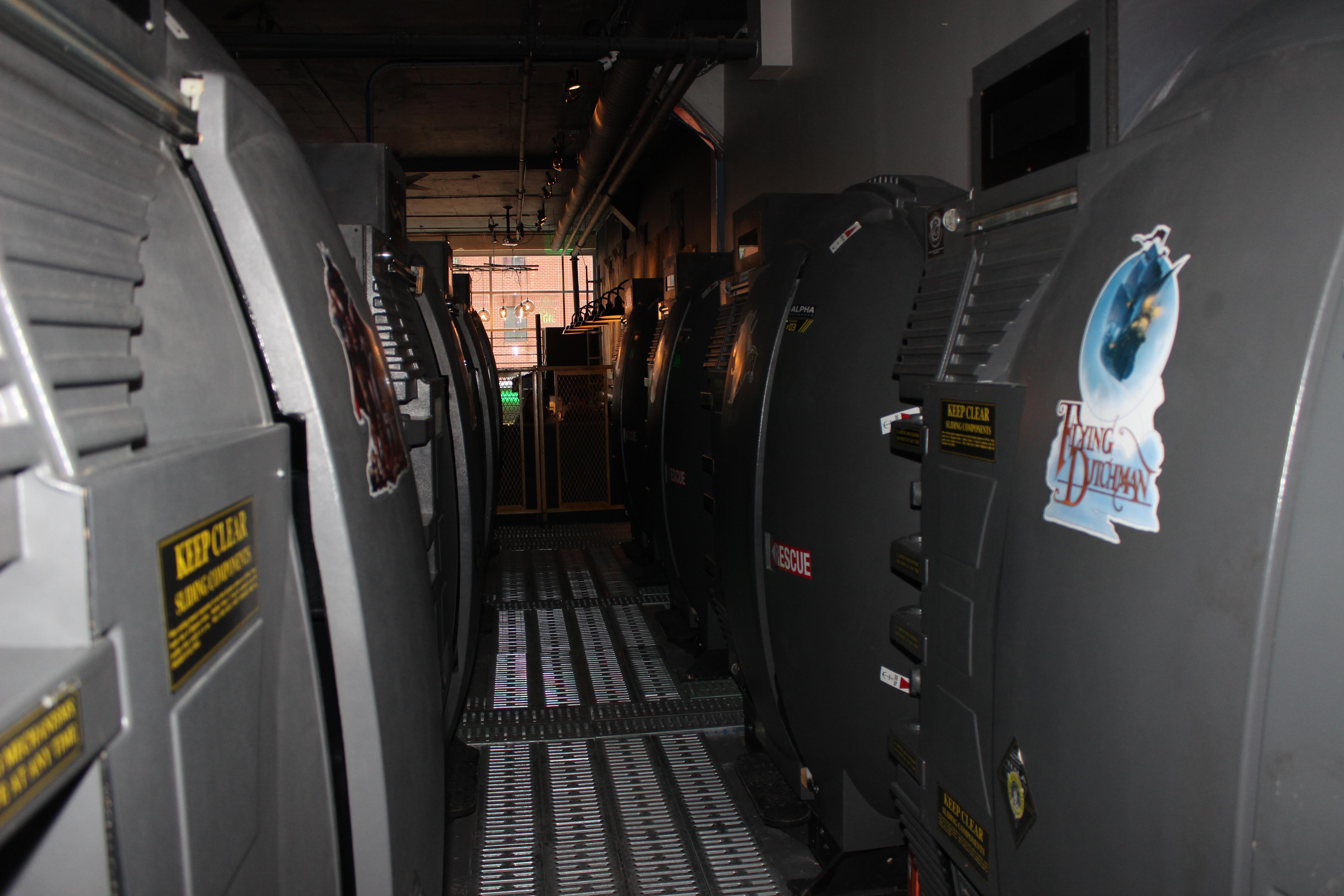 """À bord d'un des """"Tesla II Pods"""", vous prendrez les commandes d'un robot futuriste"""