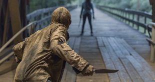 Michonne (Danai Gurira) confronte un Murmureur - The Walking Dead - Saison 9, Épisode 9 - Crédit Photo : Jackson Lee Davis/AMC