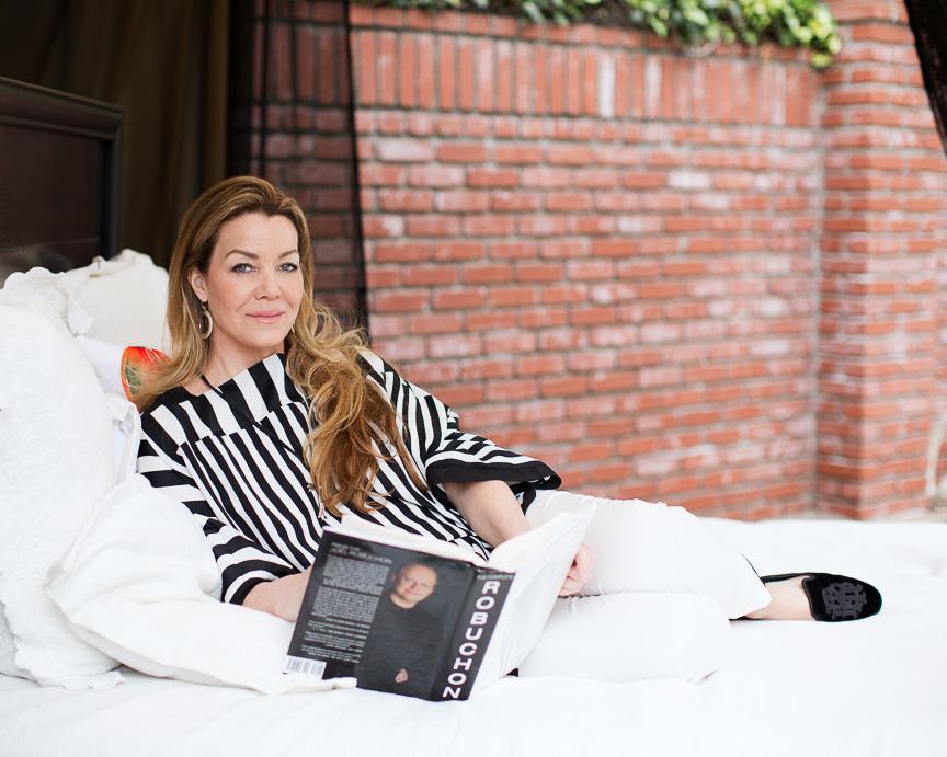 Claudia Christian prouve qu'il est possible d'être un joueur et de bien manger avec son livre de recettes!