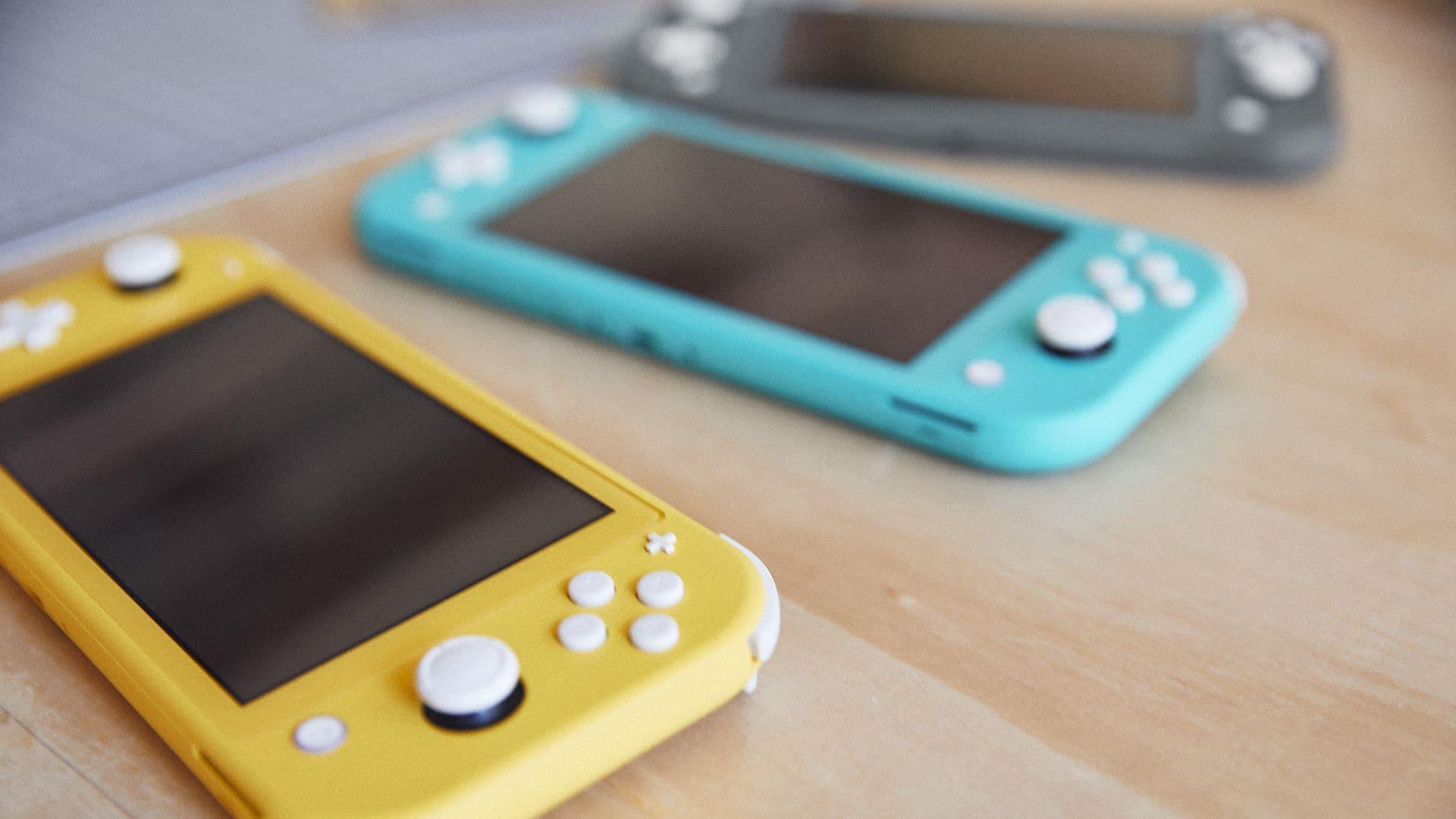 Nintendo Switch Lite en trois couleurs