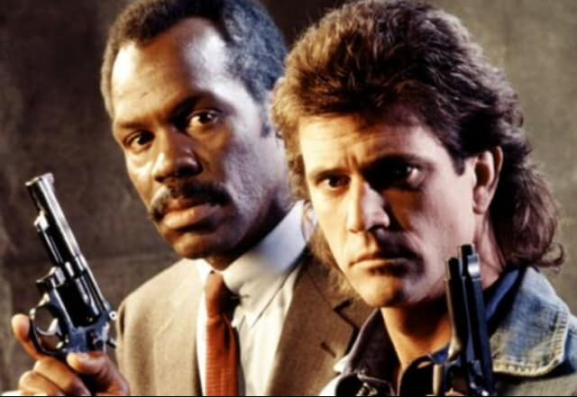 Le scénariste de Lethal Weapon, Shane Black, est un des collaborateurs du documentaire