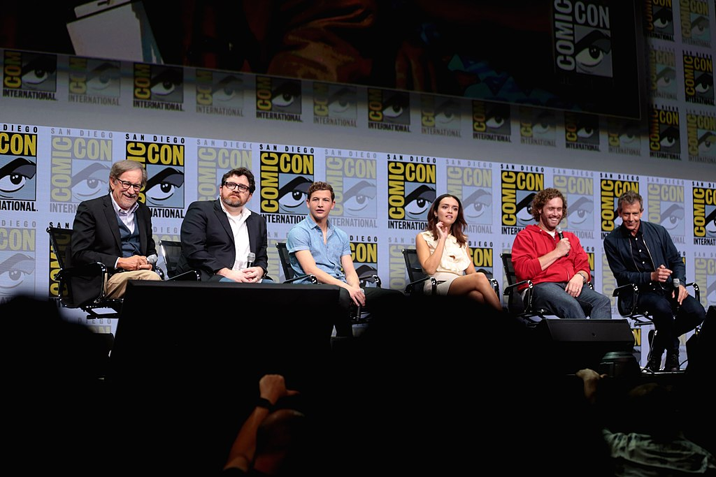 Spielberg et Cline avec la distribution de Ready Player One au San Diego Comic-Con