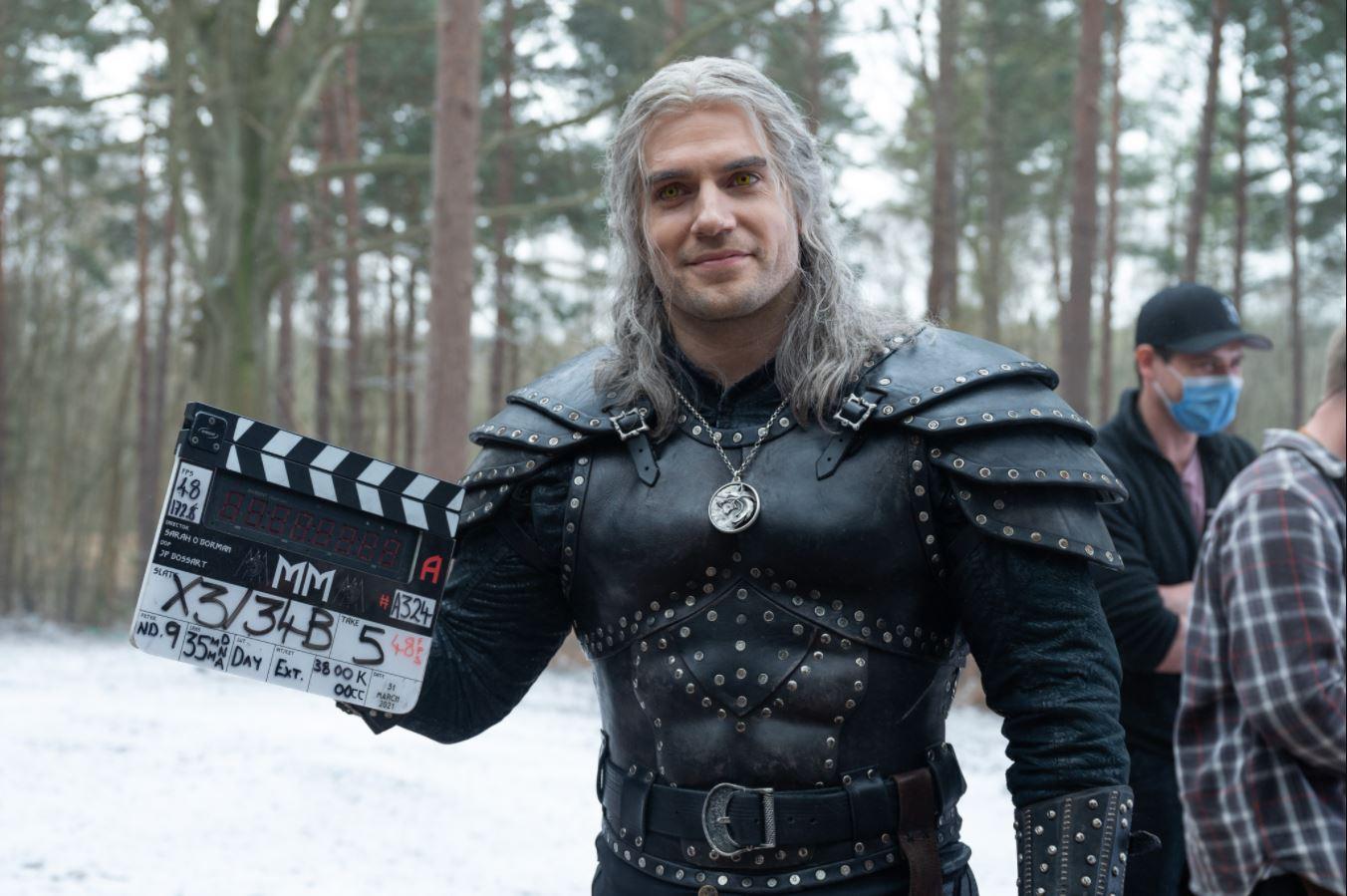 Henry Cavill a récemment complété le tournage de la deuxième saison de The Witcher qui prendra l'affiche plus tard cette année